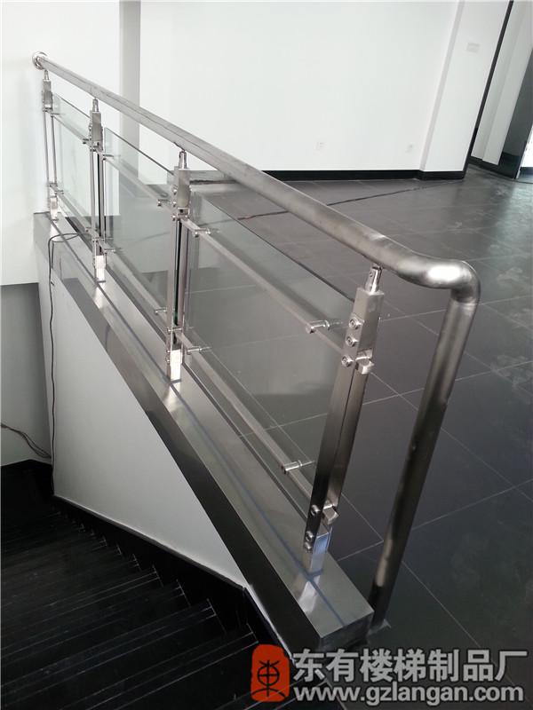4S店二楼不锈钢玻楼梯护栏