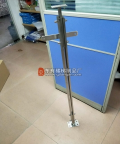 常用在落地玻璃栏杆的玻璃外挂双板立柱