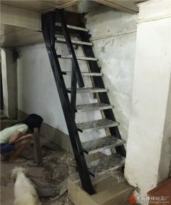 北京路住宅木爬梯更换不锈钢爬梯