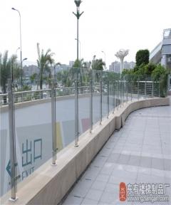 喜来登酒店户外不锈钢栏杆简洁大方