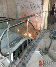 恒泰汇窗前护栏非常稳固安全