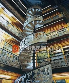 2018年大型的旋转楼梯设计流行走势