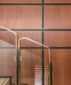 金属质感的楼梯扶手设计!